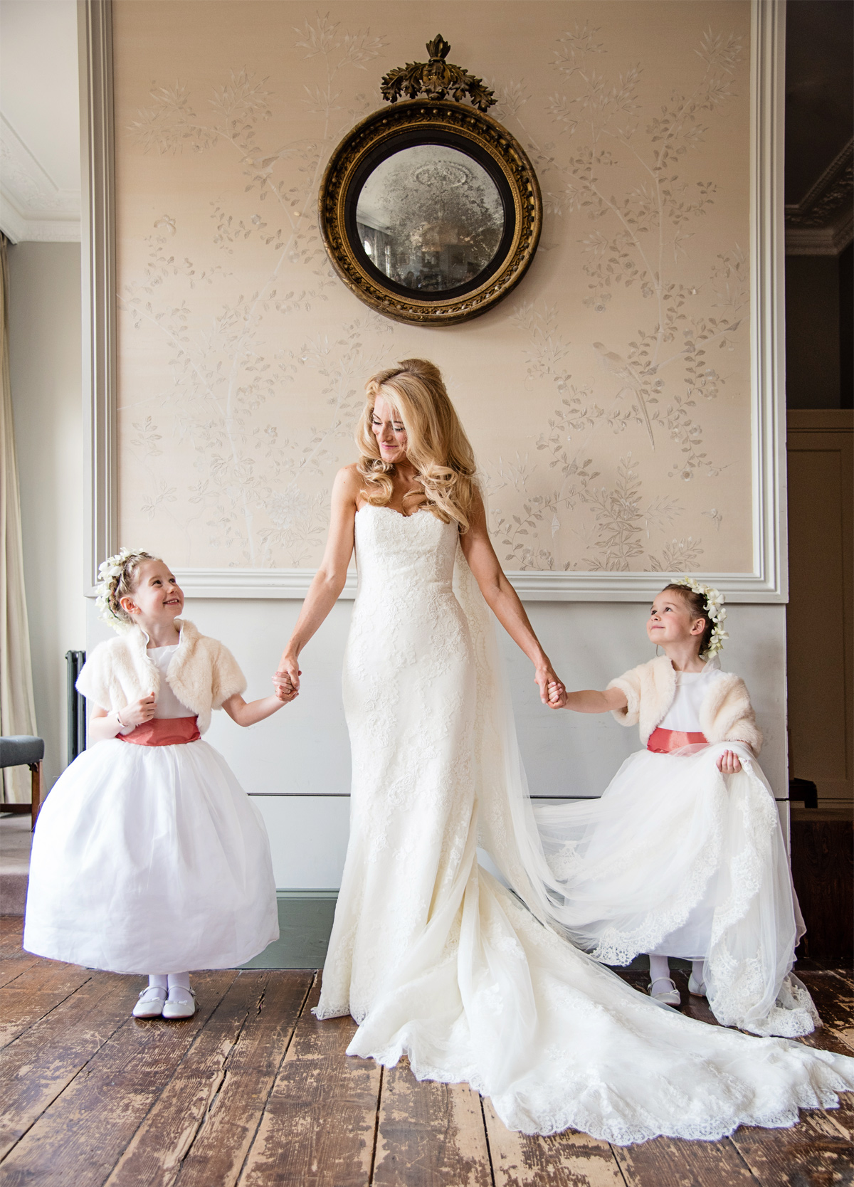 kenwood-house-wedding-bride-and-flowergirls