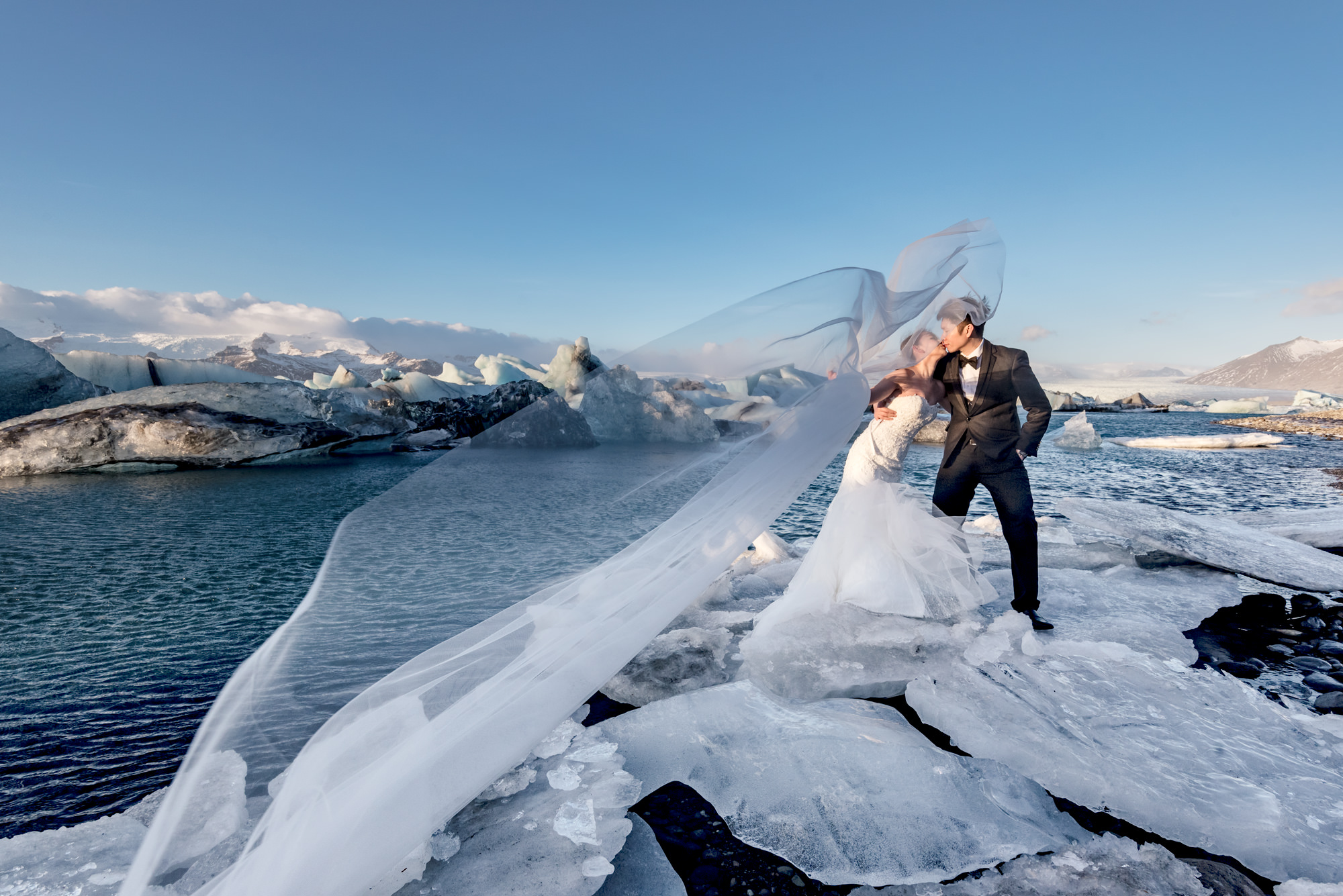pre-wedding-photoshoot-glacier-iceland