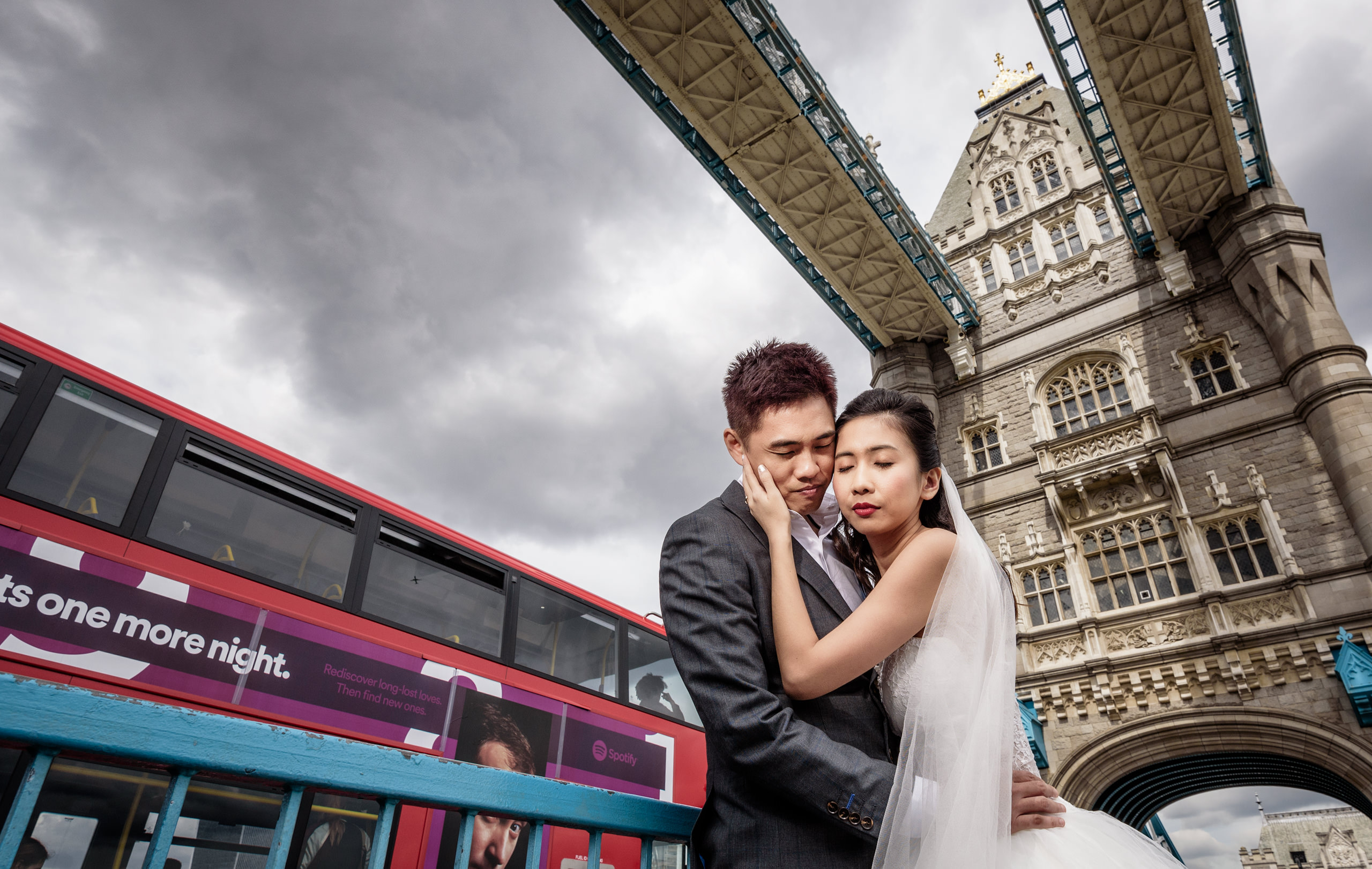 pre-wedding-shoot-tower-bridge-london