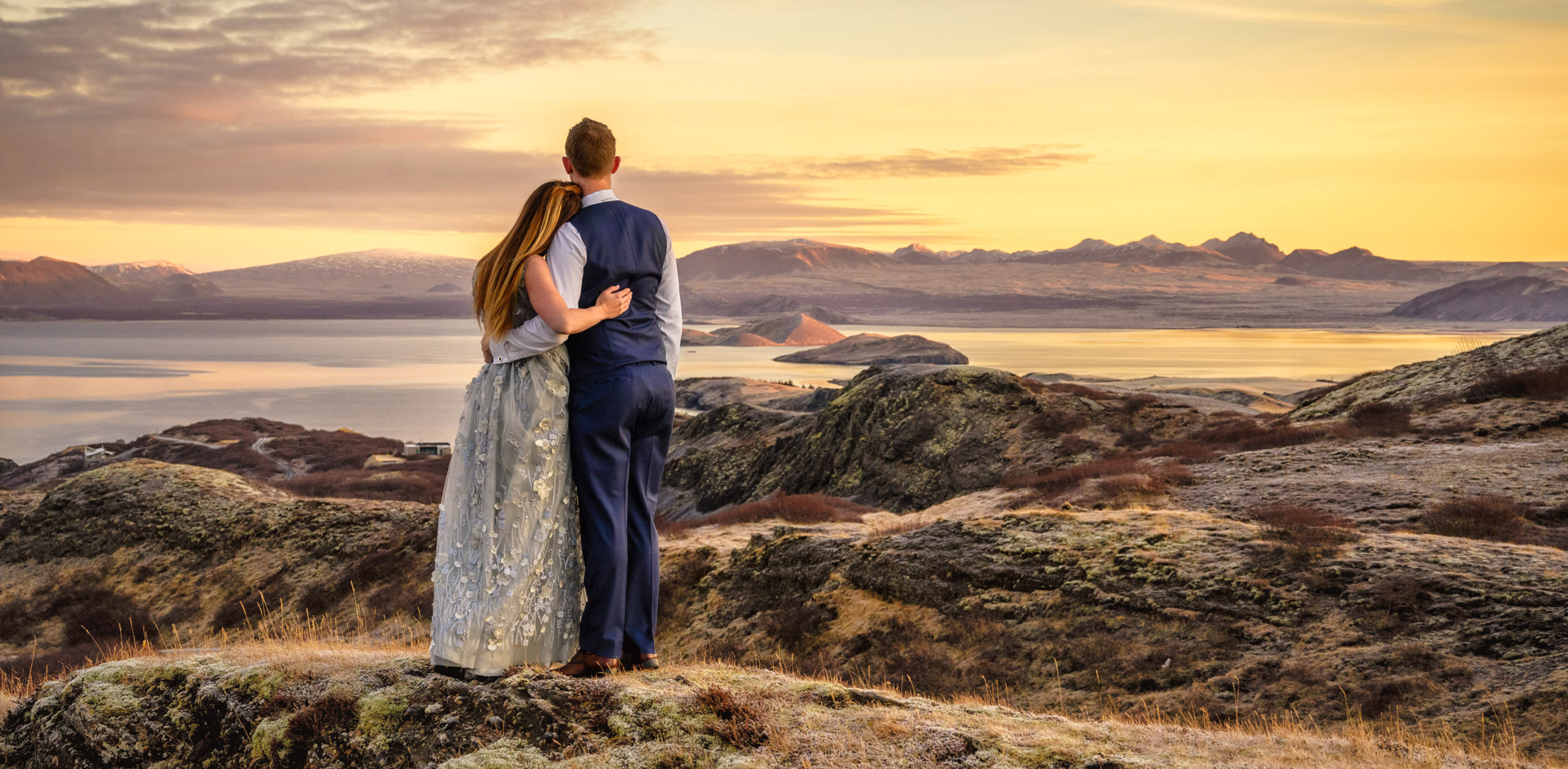 Destination wedding photography iceland bride and groom with landscape at sunrise